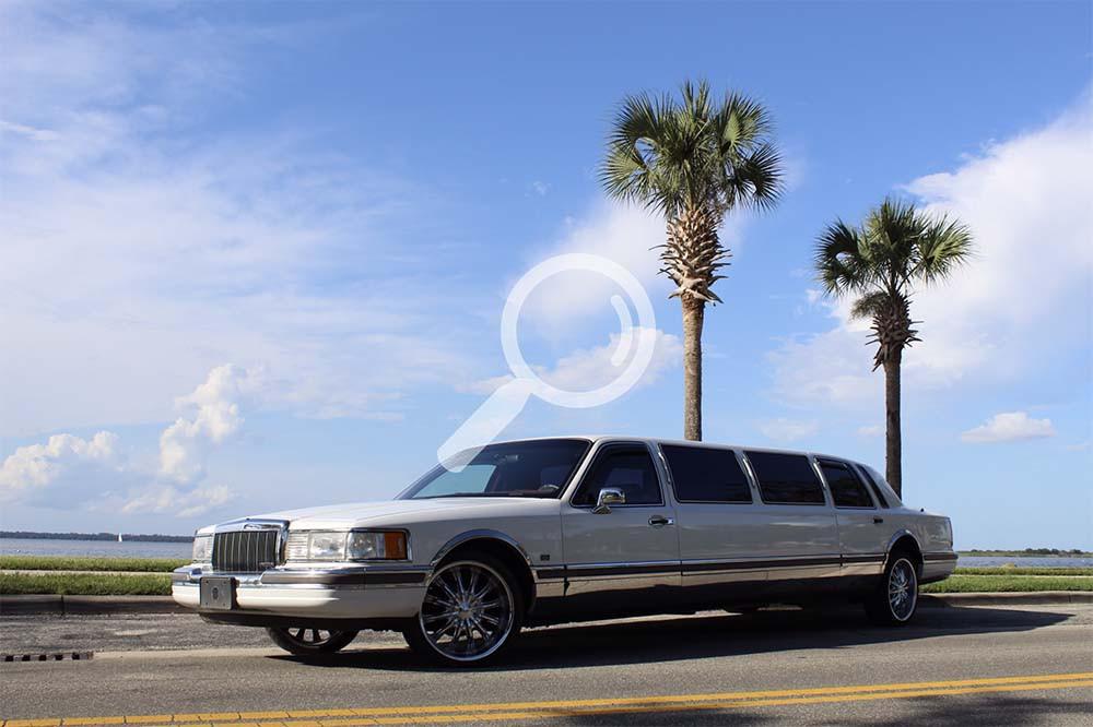 1990 Lincoln Towncar Stretch Limousine